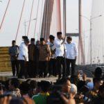 Presiden Jokowi Resmikan Pembebasan Tarif Tol Suramadu