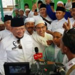 Disambut Ribuan Jamaah, La Nyalla Hadiri Haul Habib Husein Brani Kulon Probolinggo