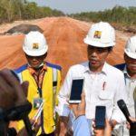 Jokowi Tinjau Pembangunan Ruas Jalan Trans Papua