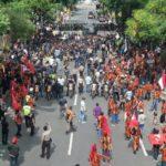 Polisi Bubarkan Aksi Mahasiswa Papua di Surabaya