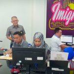 Komitmen Menuju WBK, Imigrasi Surabaya Tetap Buka Pelayanan Paspor di Hari Libur