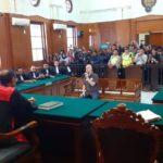 Terbukti Bersalah, Ahmad Dhani di Vonis 1 Tahun Penjara